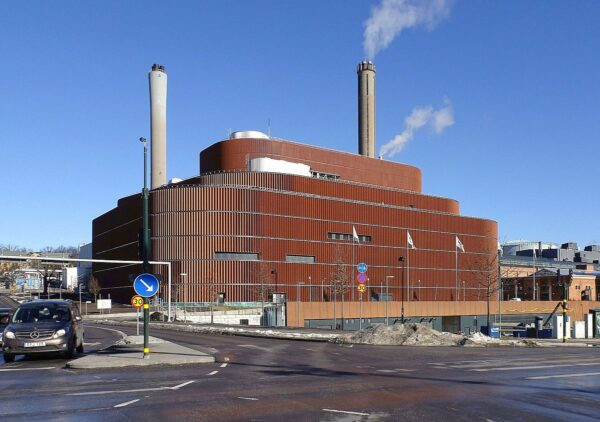 Fortum wraps up €2.9bn sale of Swedish district heating and cooling company Stockholm Exergi