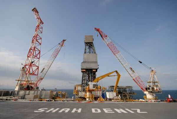 Lukoil to increase stake in Shah Deniz gas project to 25.5% through a $2.25bn deal with Petronas